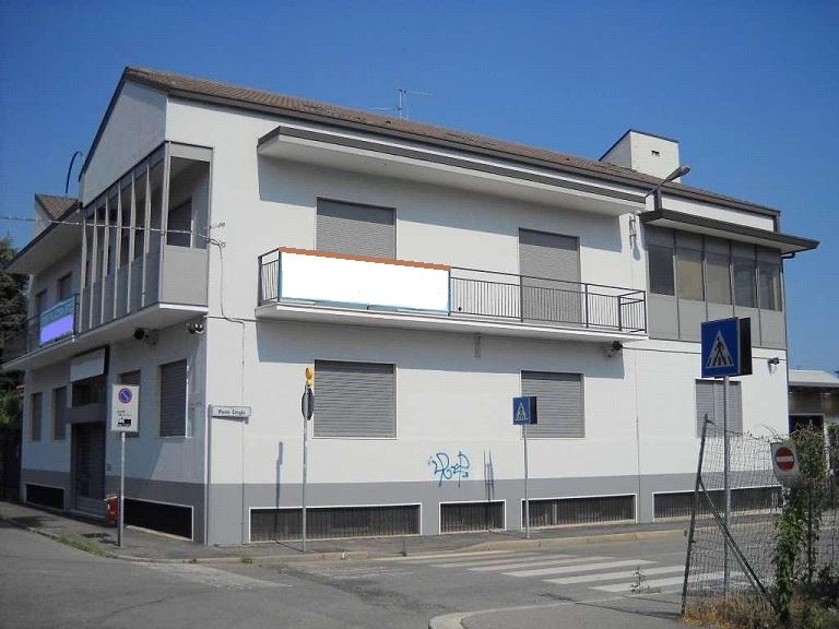 Via Monte Oliveto, Monza, MB Edificio