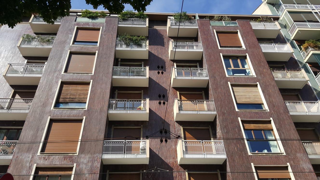 PLURILOCALE ZONA CENTRO STORICO – P.le Biancamano – RIF. AG. 5006