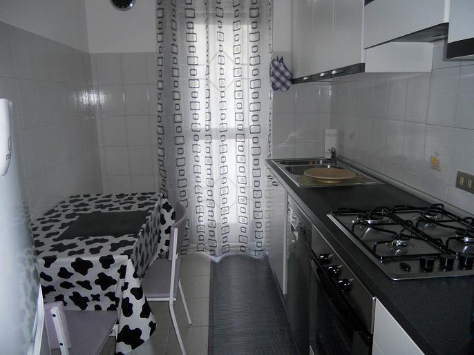BILOCALE ZONA SONDRIO/ZARA – Via Nazario Sauro – RIF. AG. 2160